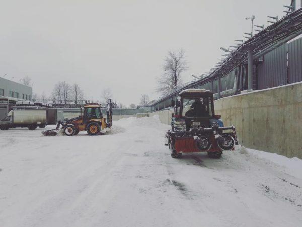 Уборка территории от снега и наледи